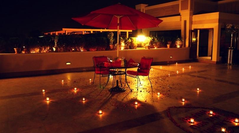 Private candlelight dinner in delhi
