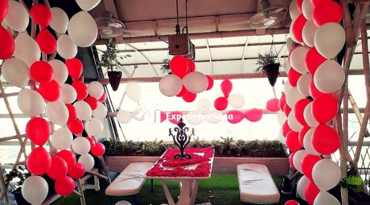 romantic rooftop candlelight dinner in ahmedabad | ExperienceSaga.com