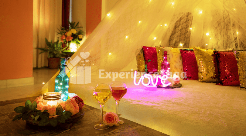 Movie Candlelight Dinner in Jaipur for Couples | Book Online on ExperienceSaga.com